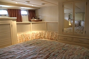 Tollycraft Master State Room | 53 Tollycraft Pilothouse Motor Yacht  PHMY