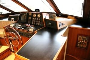 Tollycraft Helm | 53 Tollycraft Motor Yacht For Sale