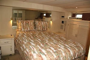 Tollycraft Master State Room   53 Tollycraft Pilothouse Motor Yacht  PHMY